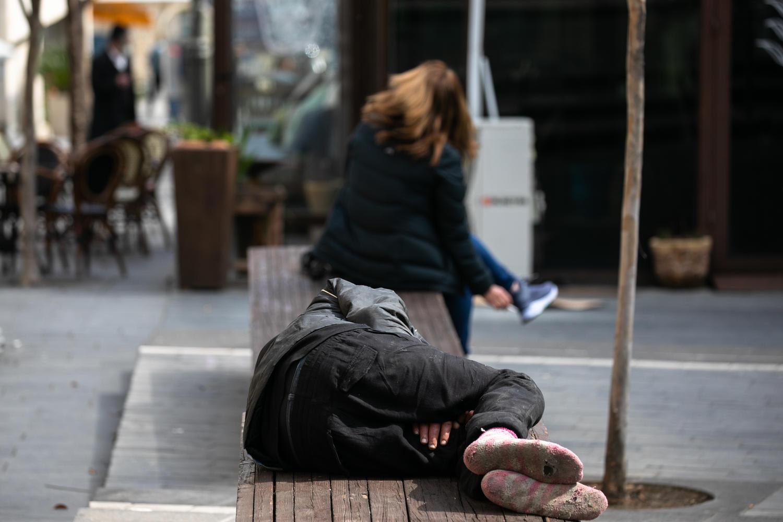 «Битуах Леуми»: кризис уменьшил количество бедных в Израиле