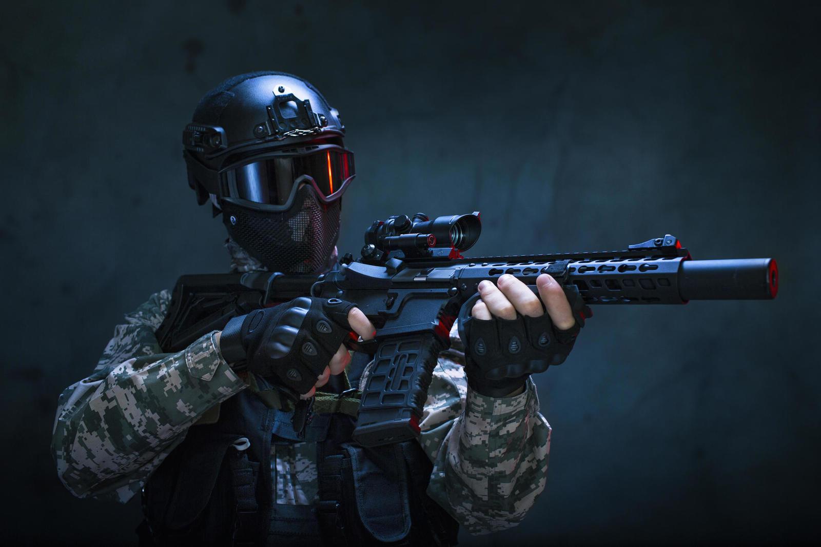 Израильтянин торговал игровым оружием для переделки в огнестрельное для террористов