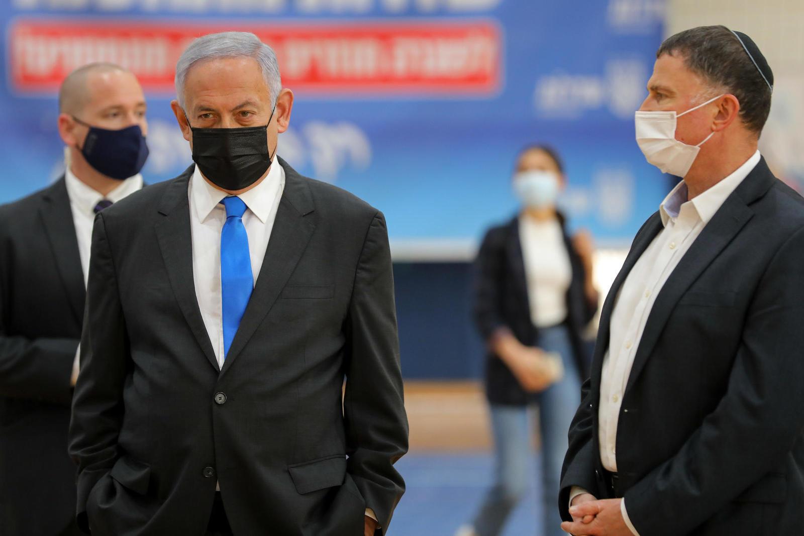 Нетанияху незаконно провел решение о продлении локдауна, Мандельблит его отменил