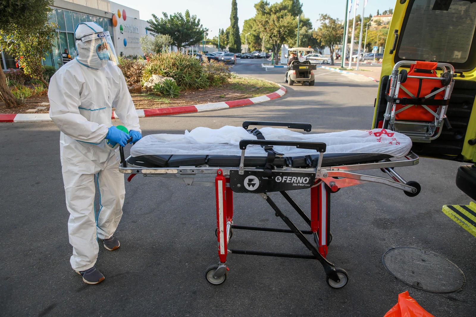 С опозданием на месяц началась вакцинация «нетранспортабельных» израильтян