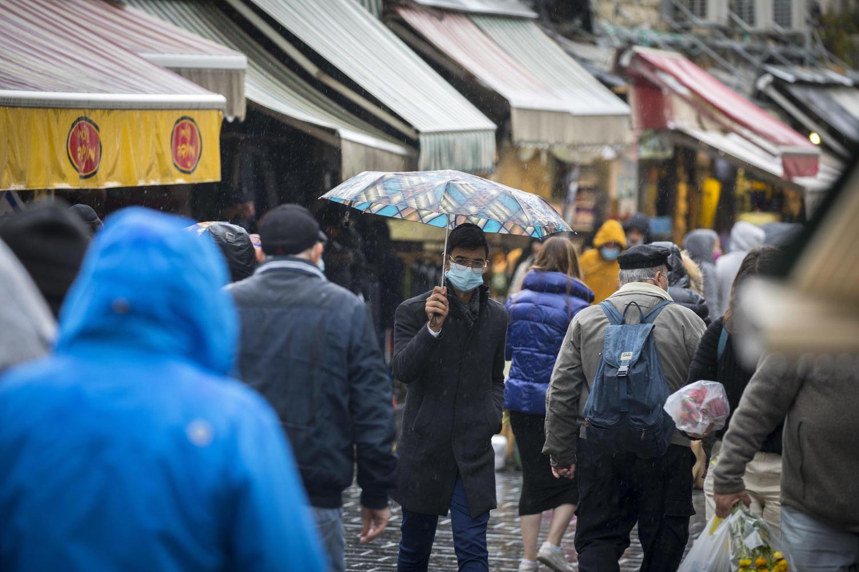 толпа на рынке Махане Иехуда