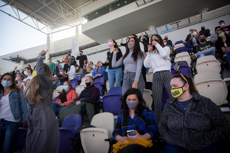 первый концерт на тель-авивском стадионе «Блумфельд» 5 марта