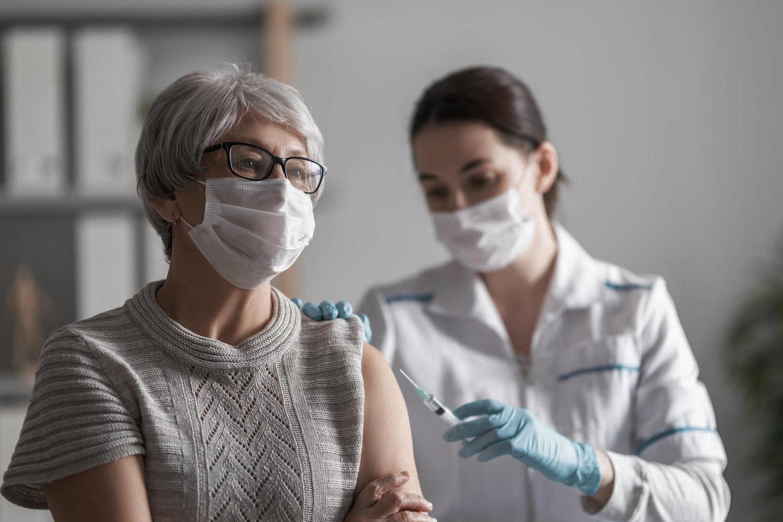 Экспериментальное подтверждение: прививка необходима и переболевшим коронавирусом