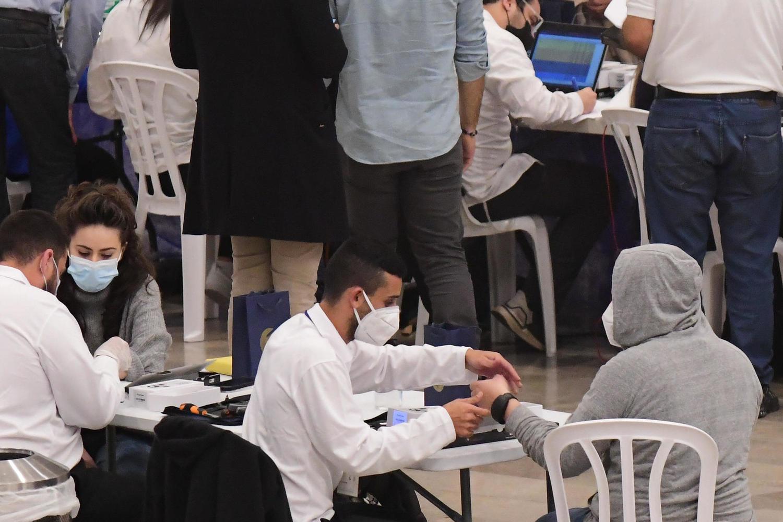 Пленум Кнессета одобрил в первом чтении закон об электронных браслетах