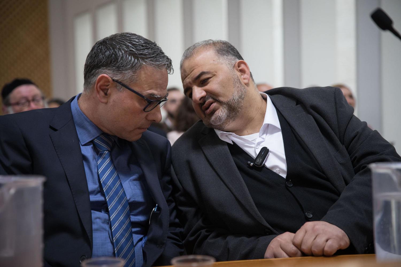 Мансур Аббас на слушаниях в Верховном суде