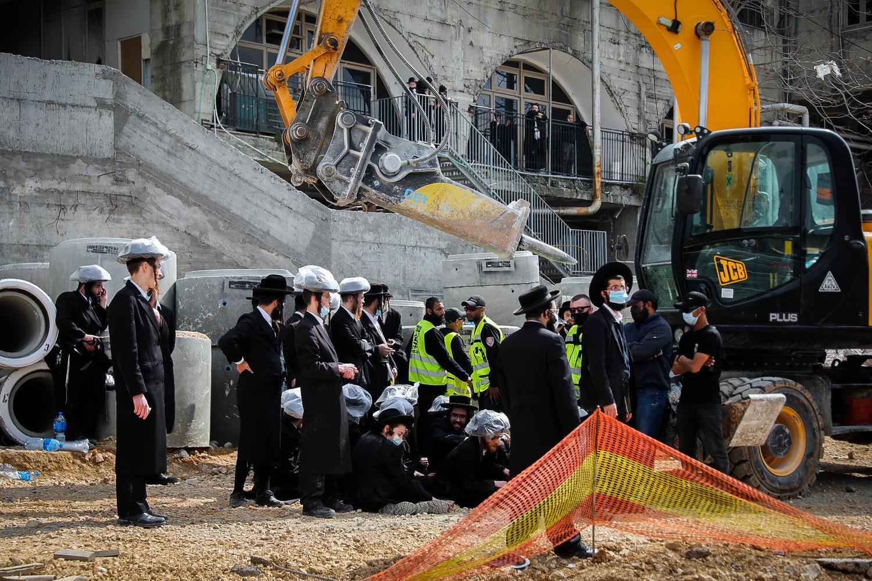 Битва за трамвай: беспорядки харедим вновь парализовали перекресток Бар-Илан