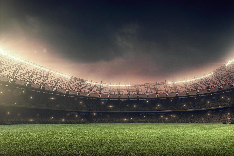 Увеличивается количество зрителей в залах и на стадионах
