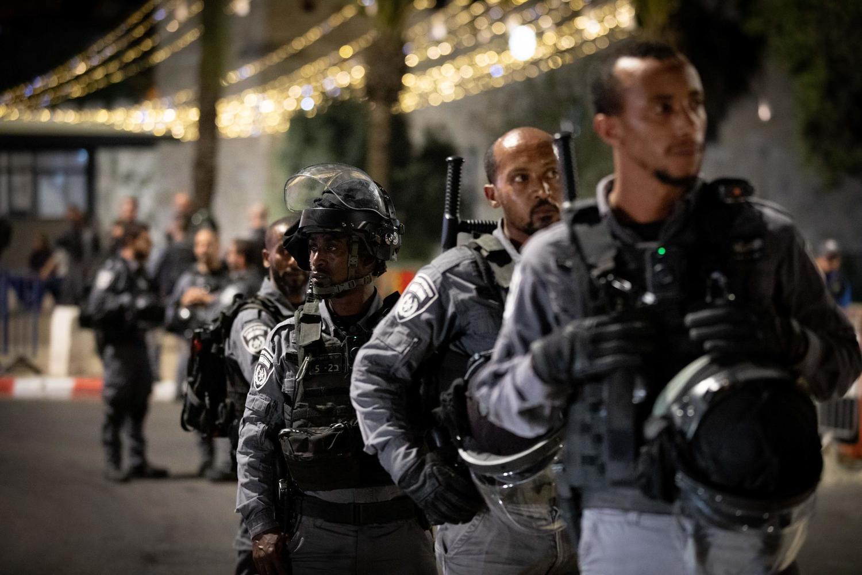 В ночь на вторник агрессивная толпа в Иерусалиме нападала на арабов