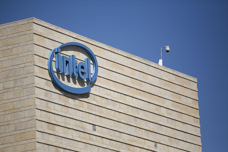 Intel нанимает сотни разработчиков в израильском подразделении AI