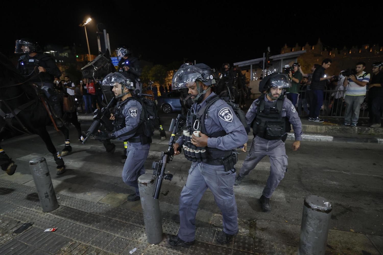 полиция у Шхемских ворот, 24 апреля