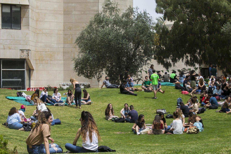 За сутки в Израиле только 69 новых пациентов с коронавирусом