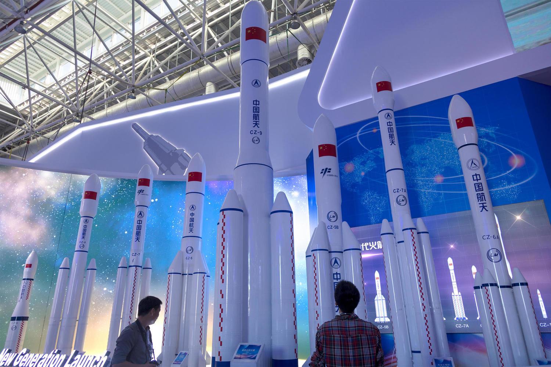 Отбой тревоги: обломки китайской ракеты упали в Индийском океане