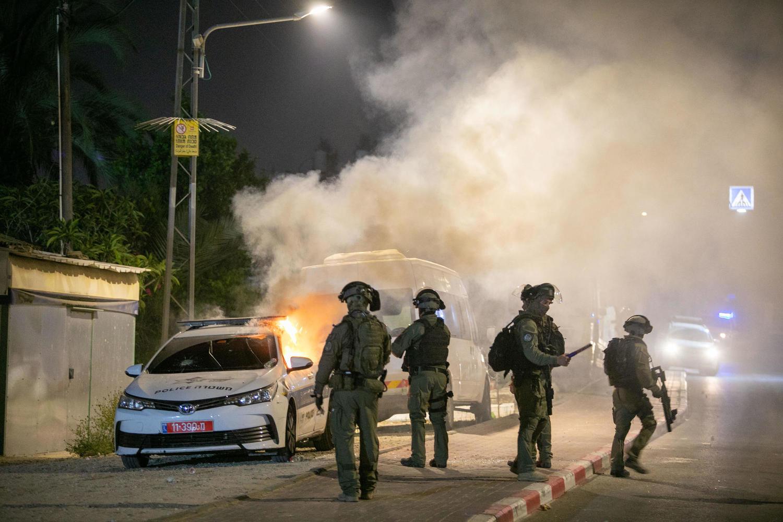 Полиция готовится к очередной ночи насилия и погромов