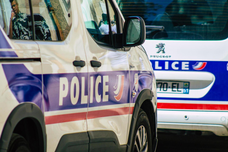 «Гибридный» террор во Франции: исламист-шизофреник напал на полицейских