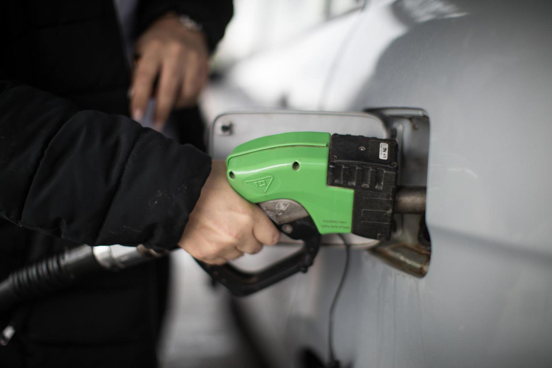 В июне в Израиле снова подорожает бензин