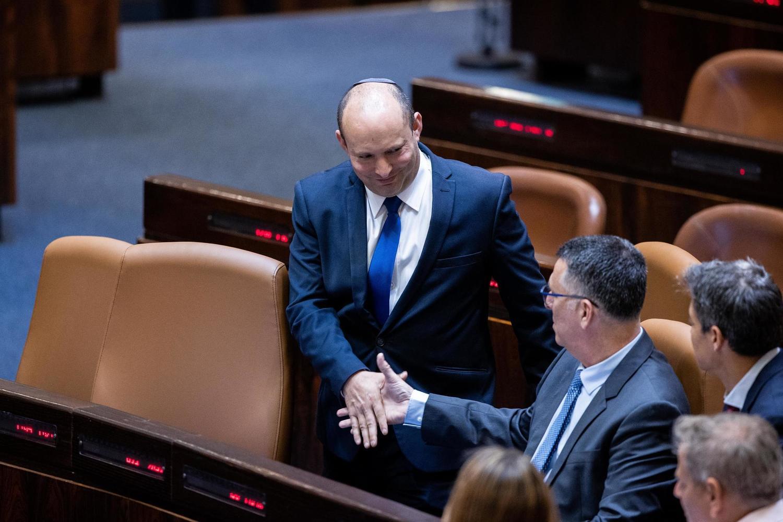 Премьер-министр Нафтали Беннет и министр юстиции Гидеон Саар