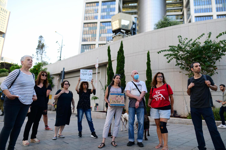 Протестанты в Тель-Авиве требуют гласного расследования инцидента.
