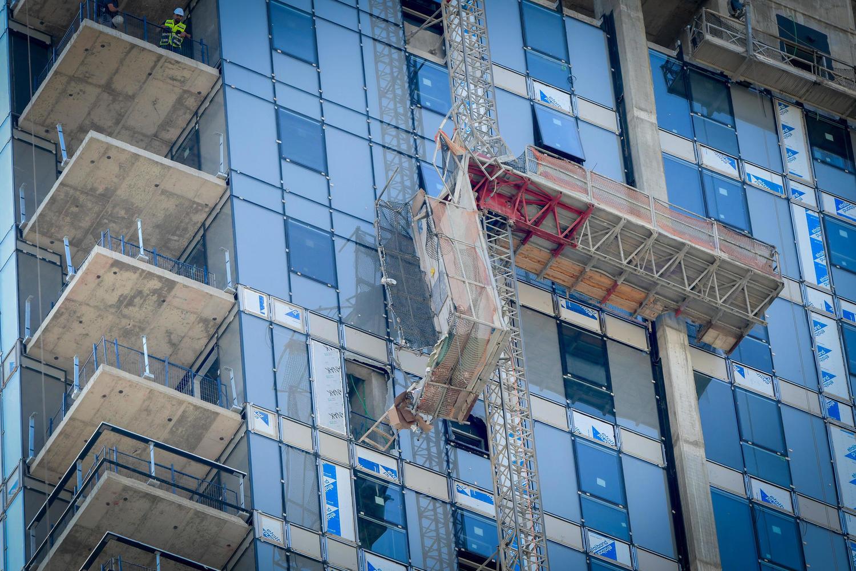 обрушившийся подъемник: фотография с места аварии в Тель-Авиве.