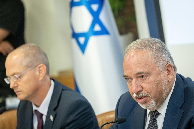 министры Либерман и Форер