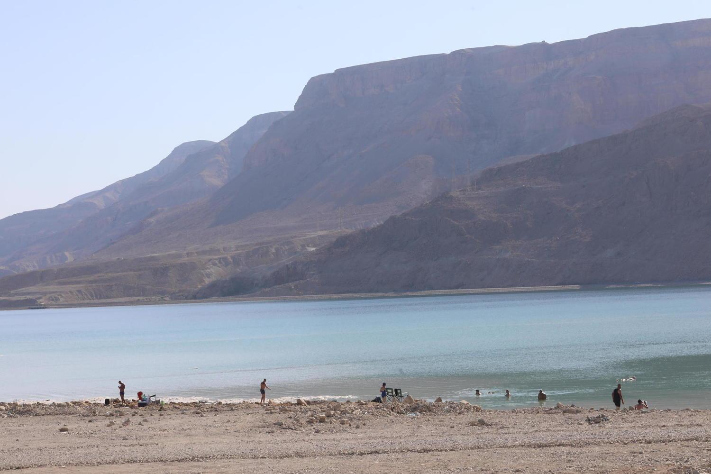 На Мертвом море искали двух пропавших туристов