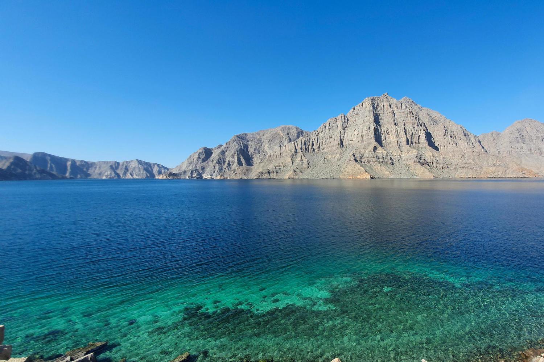 Оманский залив возле берегов Омана.