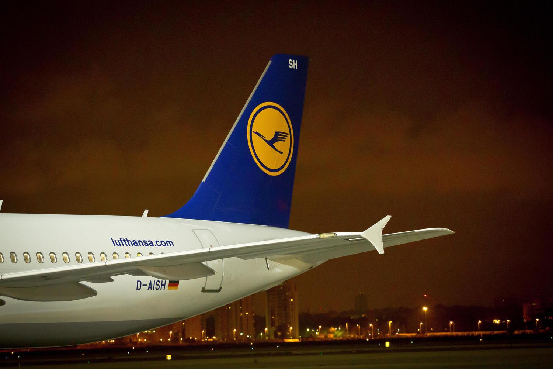 самолет Lufthansa в «Бен-Гурионе»