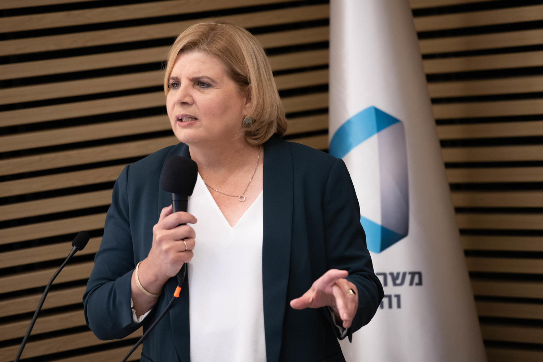 министр Орна Барбивай