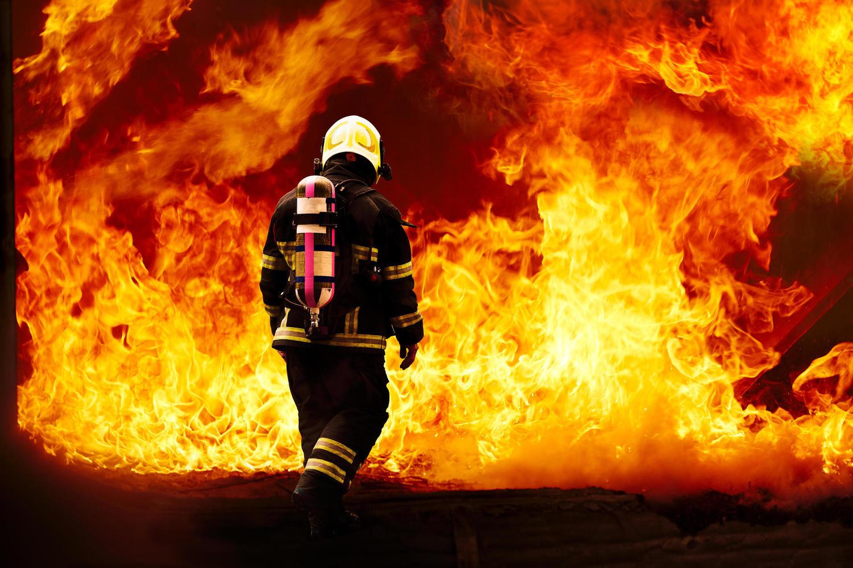 Трагедия в Петах-Тикве: 12-летний мальчик стал жертвой пожара из-за электросамоката