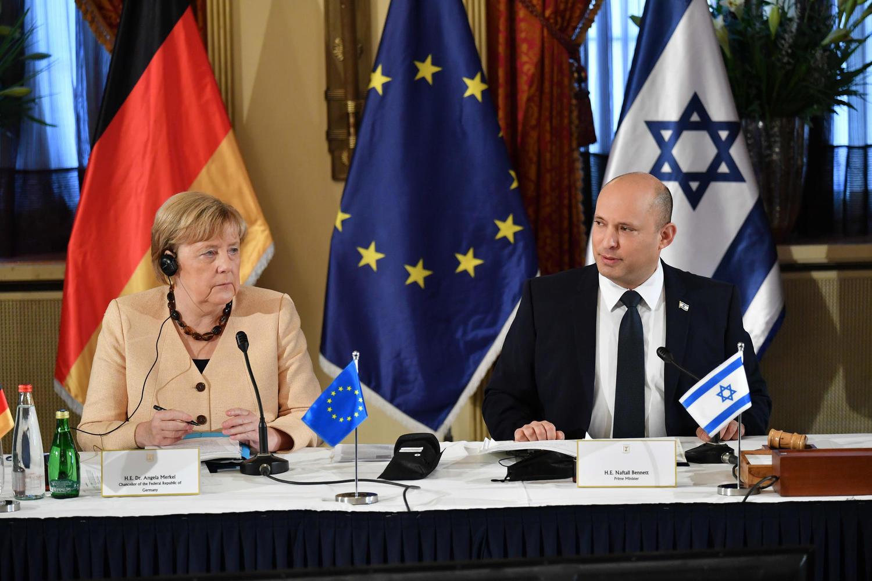 Меркель подчеркнула ответственность России и Китая за разрешение иранской ядерной проблемы