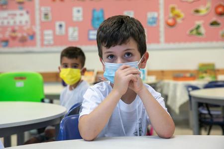 Отчет ОЭСР: классы в Израиле переполнены, учителя получают меньше, чем в других развитых странах