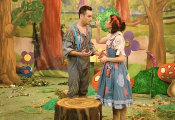 התיאטרון שלנו - עמי ותמי בבית הממתקים